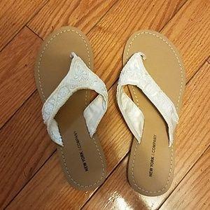 NWOT - NY & co white beaded flip flops